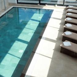 Carrelage piscine effet pierre naturelle QUARTZ GOLD 30.5x61.4.5 cm - 1.128 m²